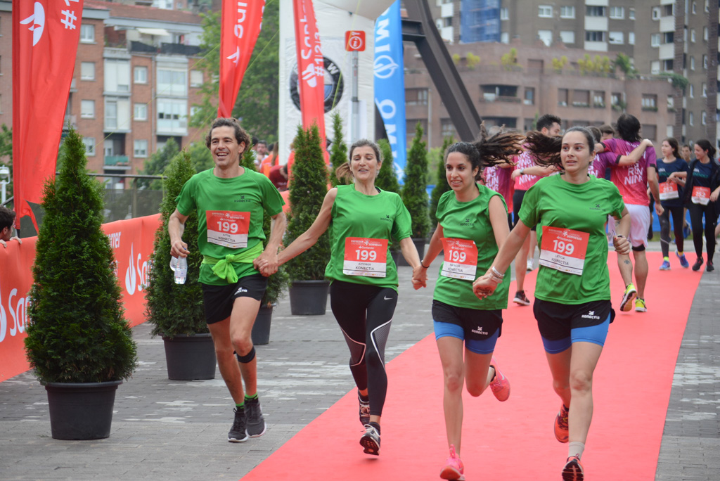 fotos de llegada a meta Carrera de Empresas de Bilbao 2019