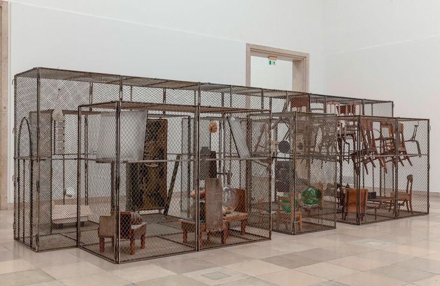 Louise Bourgeois-  Estructuras de la existencia: Las Celdas -679.532 personas  (marzo / principios de septiembre)