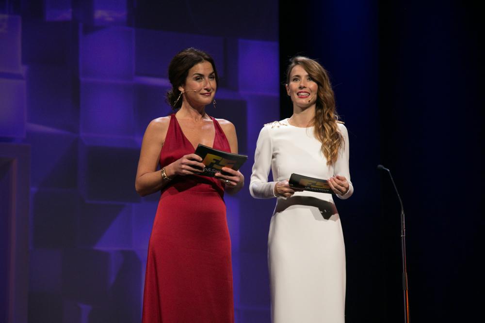 Belén López y Bárbara Goenaga, en la Gala de entrega de premios a los Mejores Videojuegos 2014