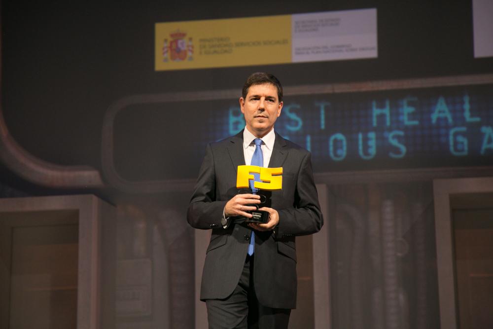 Natxo Otalora de Digipen en la gala de entrega de premios a los Mejores Videojuegos 2014