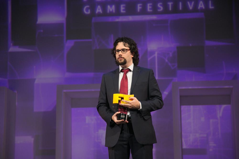 Alfonso Gómez Aguirre, dirctor del Fun & Serious en la gala de entrega de premios a los Mejores Videojuegos 2014