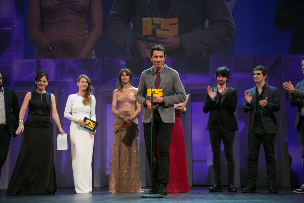 Videojuego del año 'La Tierra Media: Sombras de Mordor. Carlos Rincón, director general adjunto de Warner Bros Home Enterteinment. Premiado en la gala de entrega de premios a los Mejores Videojuegos 2014